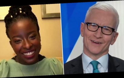 Amanda Gorman Left Anderson Cooper Speechless With Her Powerful Pre-Show Mantra
