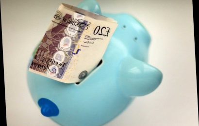 How to save £1,378 this year using the envelope savings challenge