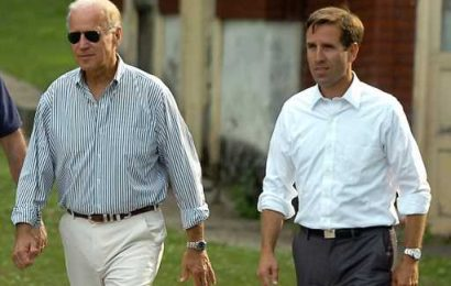 Joe Biden's Son Beau Biden Got This Moving Graveside Tribute From a Man in Uniform