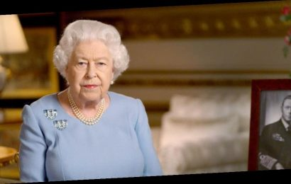 Queen Elizabeth, Prince Philip Receive Vaccinations As U.S. Reports Of Distribution Snafus Surface