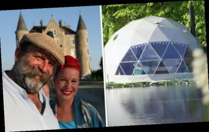 How much does glamping cost at the chateau in Escape to the Chateau?