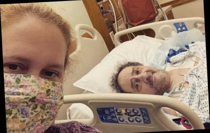 Amy Schumer's famous friends rally around her as dad is in hospital