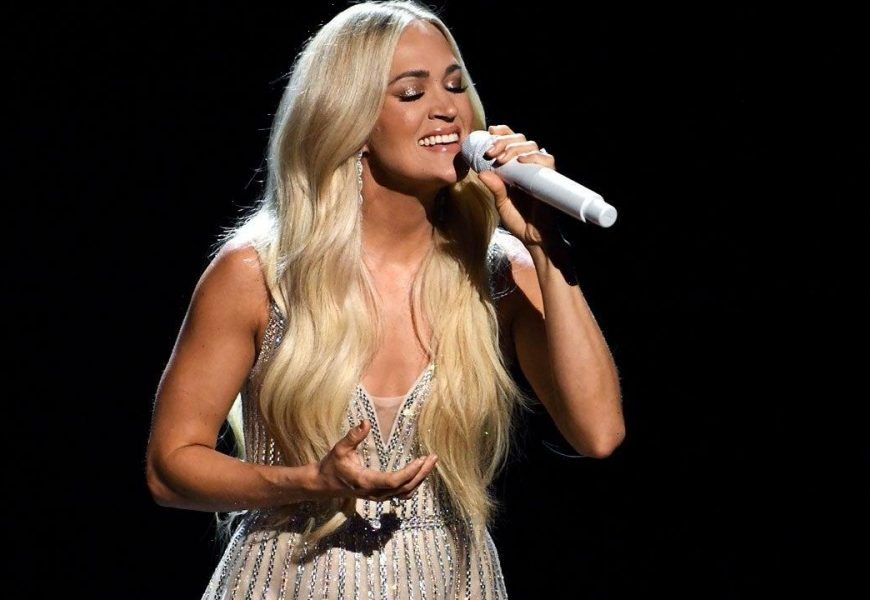 Carrie Underwood Performs Powerful Gospel Medley at 2021 ACM Awards