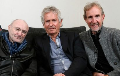 English rock group Genesis announces first US tour in 14 years