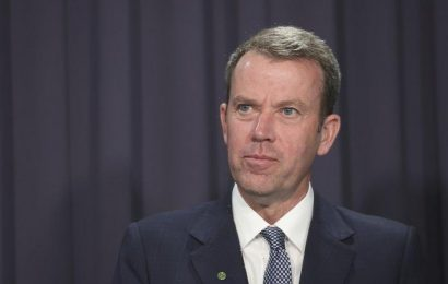 Hope, but no guarantee, from government on first jabs by year's end