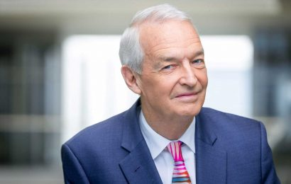 Jon Snow quits Channel 4 News after 32 years as he says 'it's time to move on'