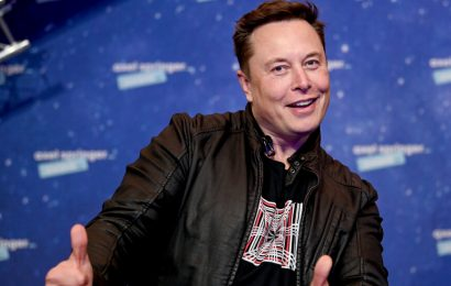 'Saturday Night Live' Gets Ready for Elon Musk
