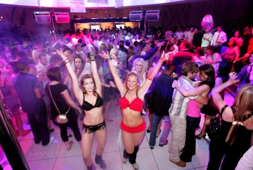 When can nightclubs and music venues open in UK and how will distancing work?