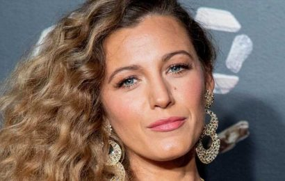 """Blake Lively Slammed the Paparazzi for """"Stalking"""" Her Daughters During a Recent Outing"""