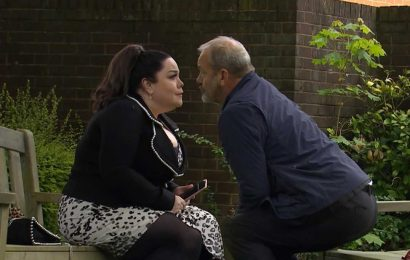 Emmerdale fans in stitches at Mandy Dingle and Jimmy King's 'horrendous' socially distanced kiss