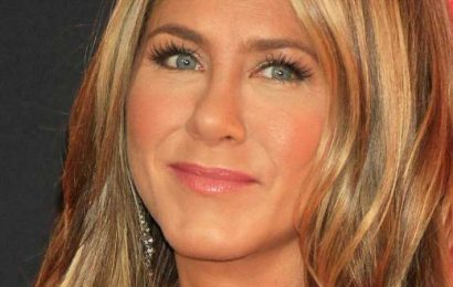For Every Time Jennifer Aniston Has Been On The Red Carpet, This Outfit Stands Above The Rest
