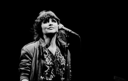 The Eagles Played This Song in Linda Ronstadt's Living Room Before It Became a Hit