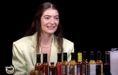 Watch Lorde Still Speak More Eloquently Than Most People While Eating Fiery, Fiery Wings