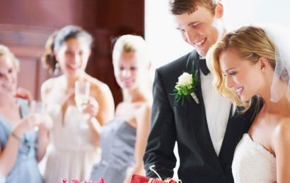 Bride uninvites sister from wedding for refusing to buy £3,500 computer as gift